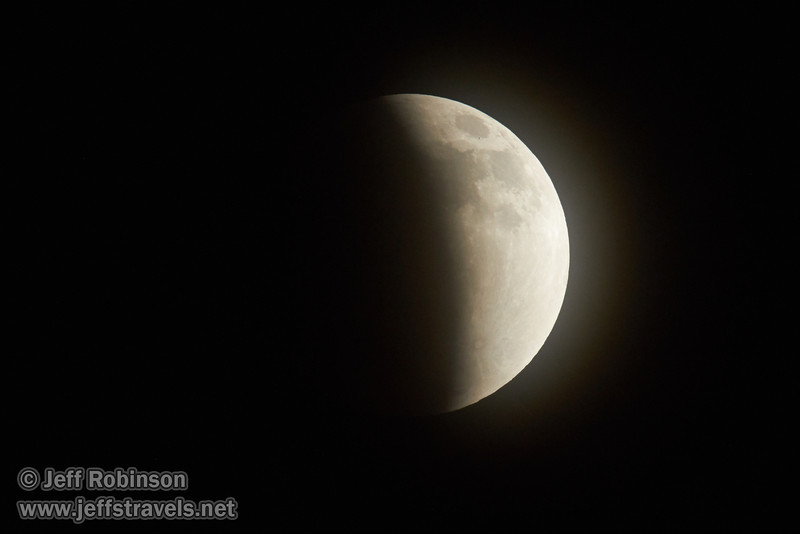 The moon more than half-way towards entering total eclipse (4/15/2014)<br /> EF400mm f/5.6L USM +2.0x @ 800mm f11 1/125s ISO1250