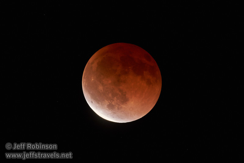 The moon starting to exit total eclipse (4/15/2014)<br /> TAMRON SP 150-600mm F/5-6.3 Di VC USD A011 @ 600mm f6.3 1/4s ISO2500
