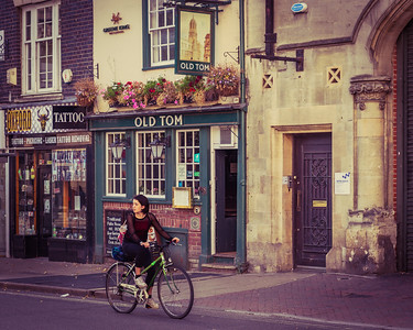 Cycling past Old Tom - Oxford