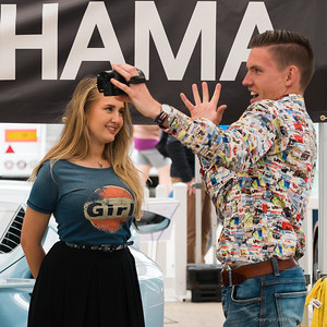 Vlogger discovers Girl  -  Silverstone Classic 2019_