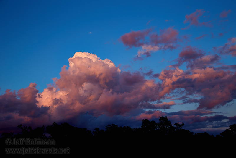 Clouds to the east at sunset (5/25/2016, my field)<br /> EF24-105mm f/4L IS USM @ 47mm f8 1/60s ISO200