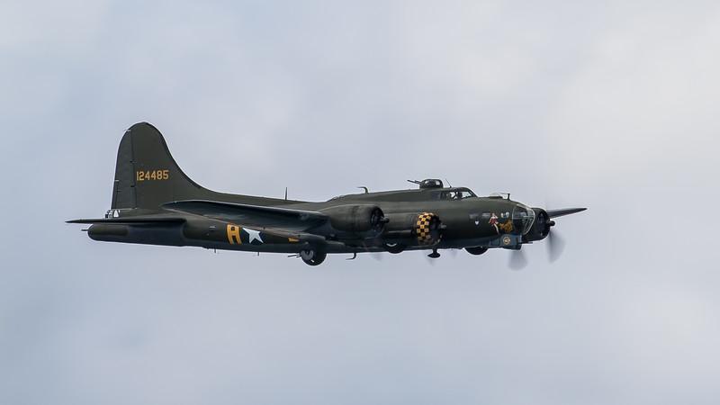 JD2A0328  Boeing B-17G Flying Fortress 124485 Sally B