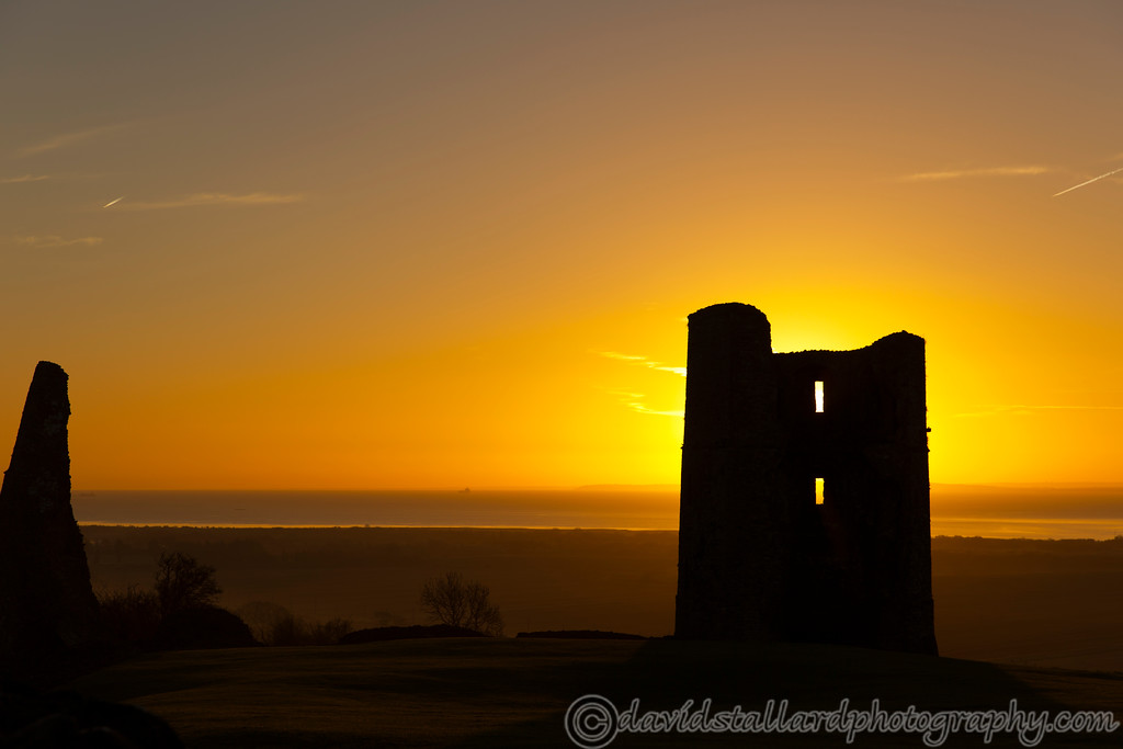 IMAGE: https://photos.smugmug.com/Out-n-About/Sunrise/i-wWcQBMk/0/XL/Hadleigh%20Castle%20Sunrise%2011-12-16%20%200011-XL.jpg