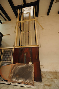 First elevator in East Africa, circa 1873 House of Wonders, Stone Town, Zanzibar