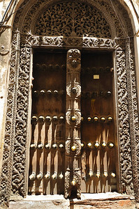 Typical Arabic Door archictecture in Stone Town, Zanzibar Zanzibar, being on the spice route was visited by Portugese, Dutch and finally Arabs from Oman who had the most lasting influence. Today over 95% of the population is Muslim and their history is tied inextricably to the Arabic influence. Stone Town, Zanzibar