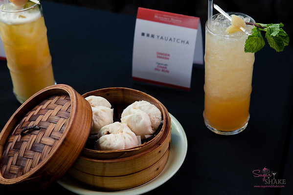 From Yauatcha: Ginger Smash (Virginia Black whiskey, ginger, cardamom, vanilla, lemongrass, lemon and ginger beer) paired with Chari Siu Bun. © 2018 Sugar + Shake