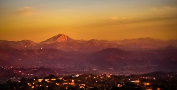 SunsetOnMt.Helix-December 27, 2011