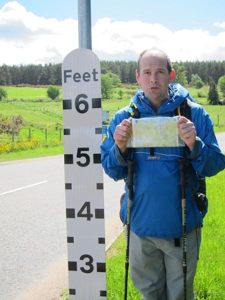 Road flood signage near Strachan