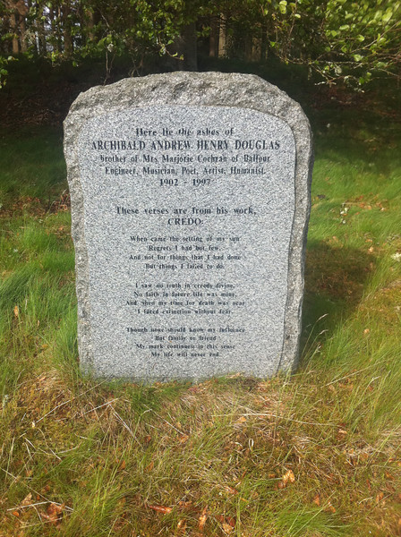 Memorial near Allancreich (NO569968)