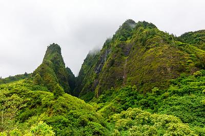 Maui-IaoNeedle-Mountains1