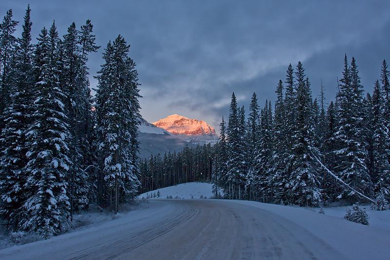 Bow Valley Parkway - Sunrise - Banff Park -