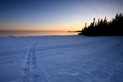 "SNOWSHOEING 5459  ""Sunset snowshoe trail"""
