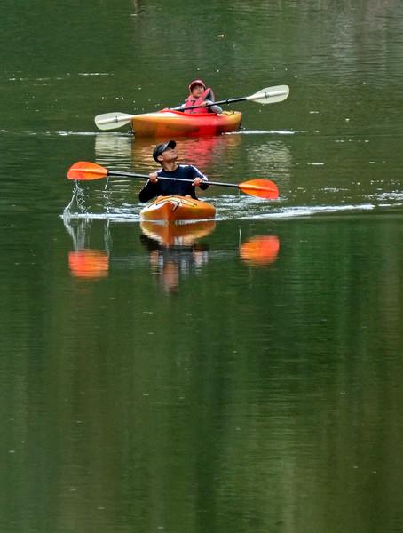 KayakersSouthBranchPotomacRiver-10-2-16-SJS-005