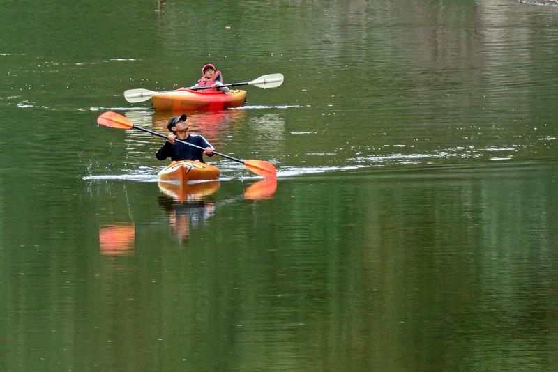 KayakersSouthBranchPotomacRiver-10-2-16-SJS-006