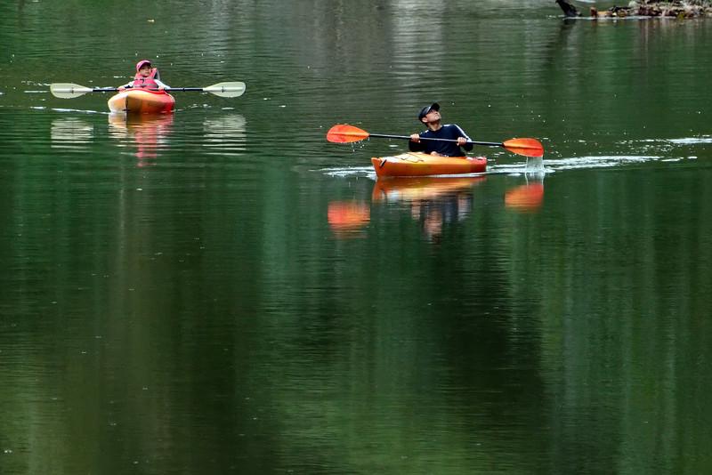 KayakersSouthBranchPotomacRiver-10-2-16-SJS-002