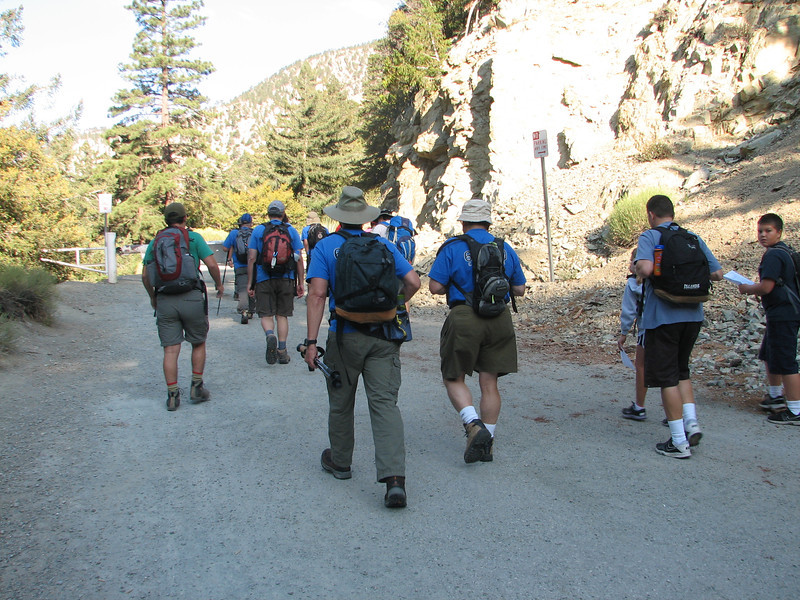 Here's the group getting started, at the intersection of Falls Rd. and Mt. Baldy Rd.
