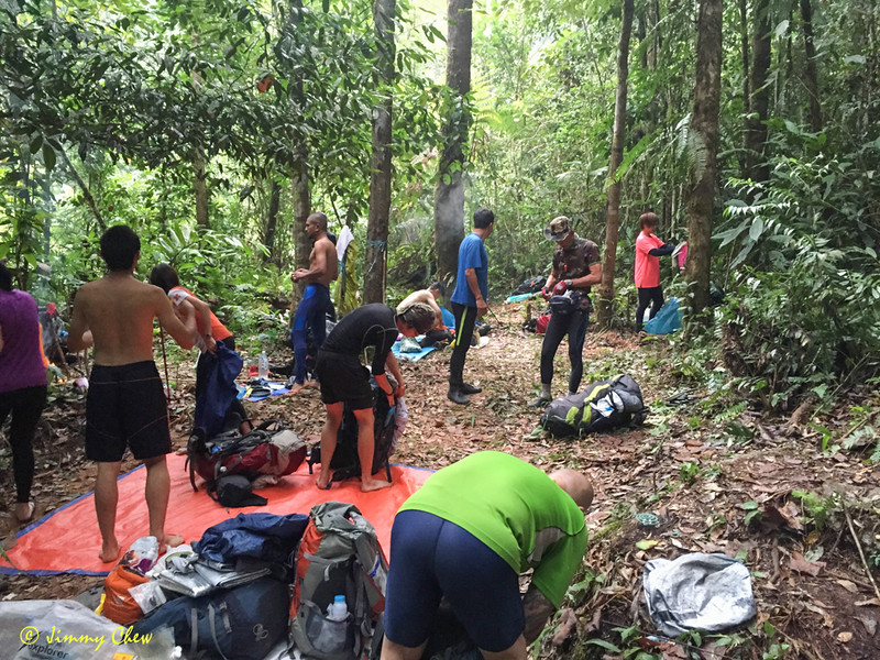 "Packing up at Kem Gempak Kijang.<br /> <br /> Album: <a href=""https://www.facebook.com/media/set/?set=a.10154052364198529.1073742057.645243528&type=1&l=bbe4fac2ce"">https://www.facebook.com/media/set/?set=a.10154052364198529.1073742057.645243528&type=1&l=bbe4fac2ce</a>"