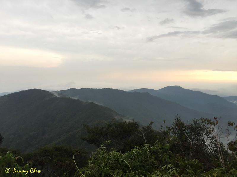 See the beautiful ridges.