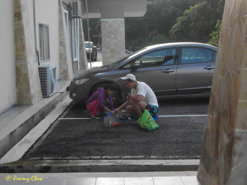 "Car camping mate.<br /> <br /> Full album: <a href=""https://www.facebook.com/media/set/?set=a.10154114607093529.1073742063.645243528&type=1&l=858582424b"">https://www.facebook.com/media/set/?set=a.10154114607093529.1073742063.645243528&type=1&l=858582424b</a>"