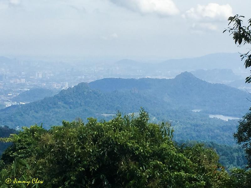 A different view of Klang Gates Quartz Ridge.