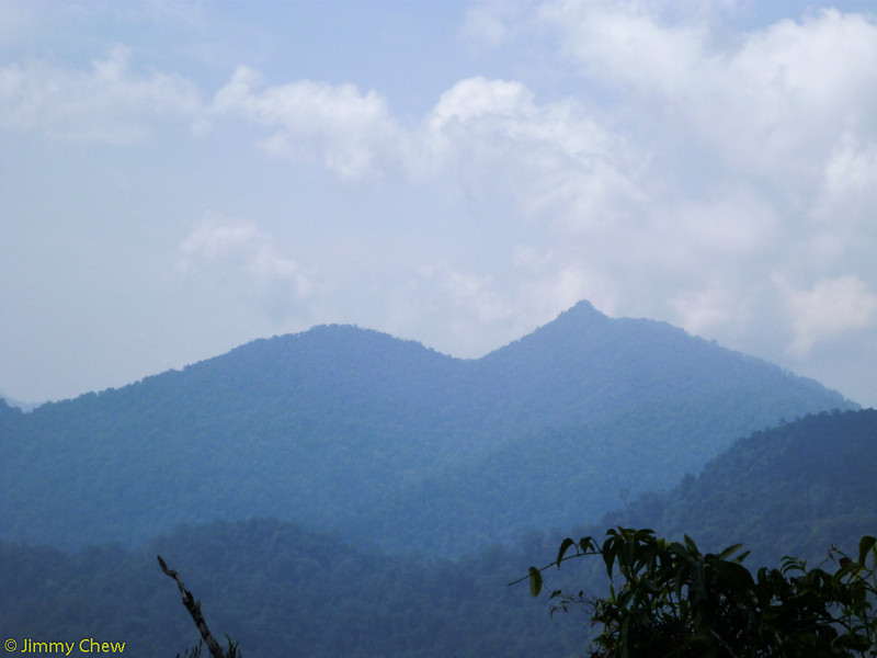 The prominent G. Nuang summit.