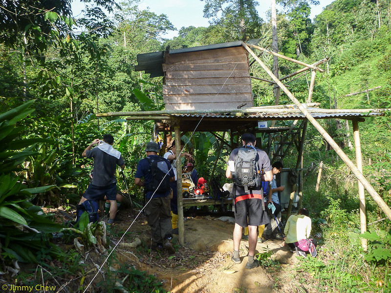 End of the 4x4 road is this hut. After this is forest trail.