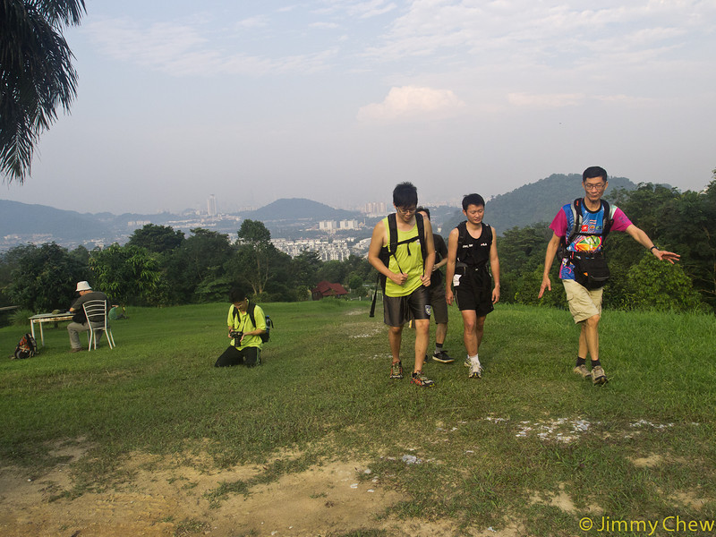 Leisurely session for casual hikers and photographers.