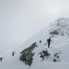 Début juin, la saison n'est pas sur la fin. Neige froide en montagne !<br /> Oliv cherche l'itinéraire.