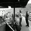 Gare de Martigny en attendant le train pour Zermatt. Les quéq's prennent la pause. (Valais Suisse)