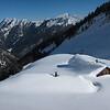 """Tour de la Sambuy en mode """"gros skis"""" avec les copains grenoblois.<br /> Les chalets du Drison croulent sous la neige."""