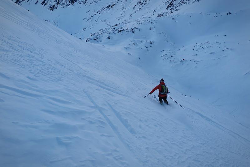 Descente du Grand-Mont par la combe nord, puis les pistes...