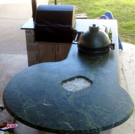 "Victoria Regis Quartzite with Glass ""Ice"" Fire Pit"