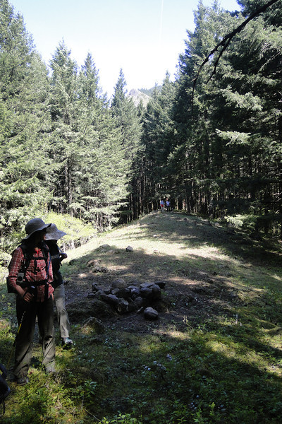 Beginning the return trip along Cedar Ridge.