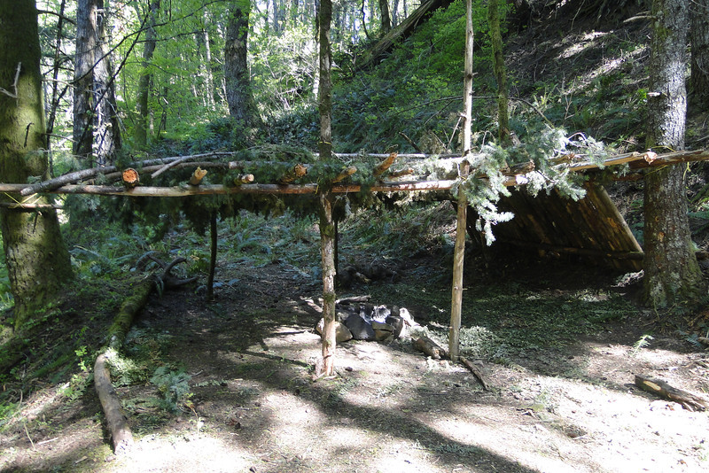 An elaborate shelter just below the junction of the road & the PCT.