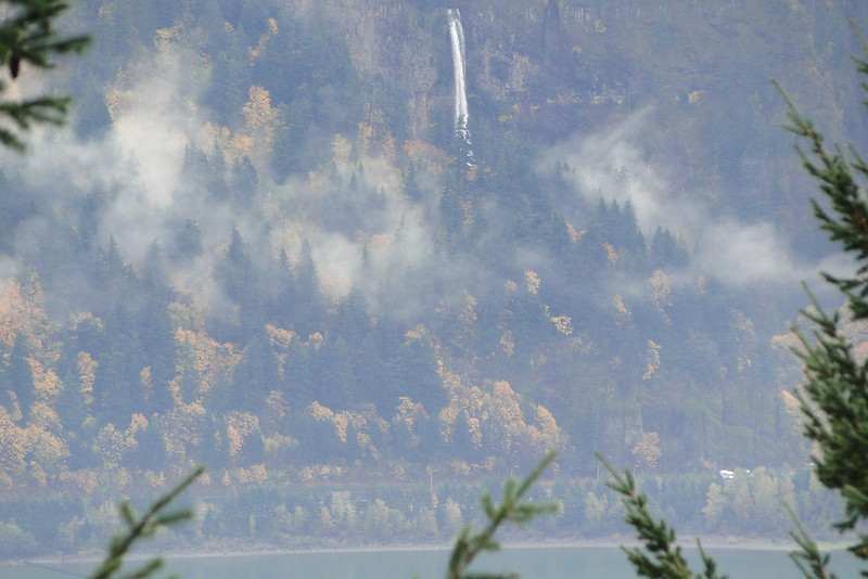 Looking across to Multnomah Falls from the Hanging Meadow - Scott Point Junction.