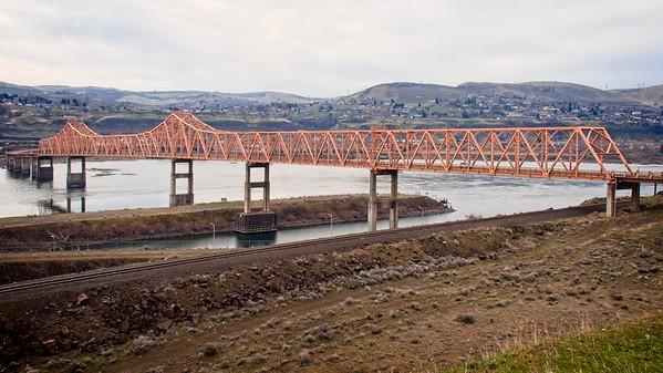 The Dalles Bridge Overlook