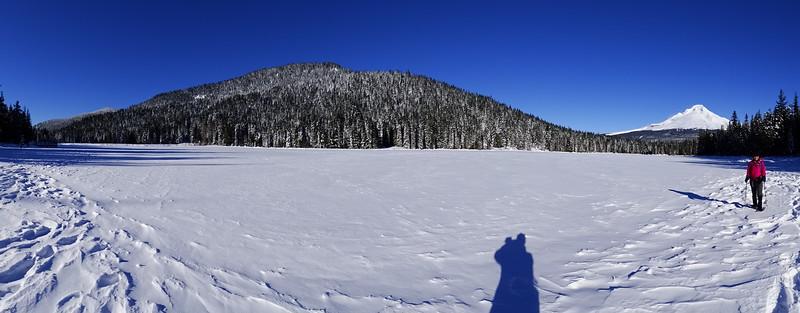Trillium Lake Snowshoe - 2016/01/01