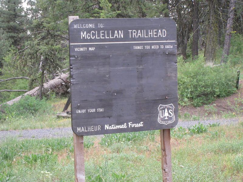 <FONT SIZE=1>© Chiyoko Meacham</FONT> McClellan Trailhead to Fields Peak.