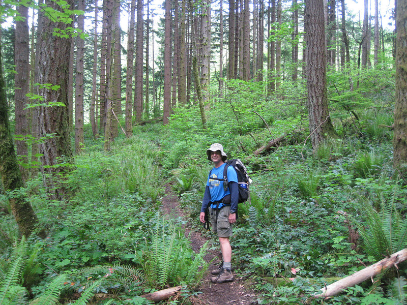 Heading Out on the Dick Thomas Trail. <FONT SIZE=1>© Chiyoko Meacham</FONT>