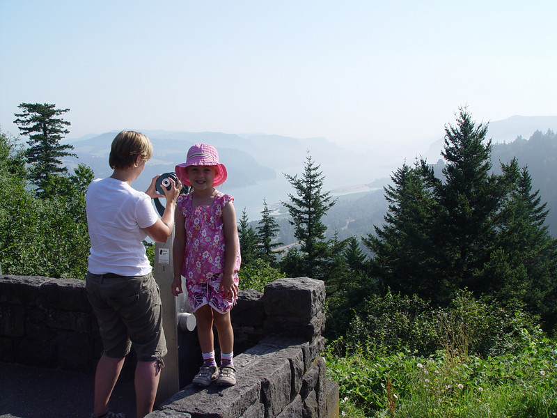 Jane & Maddy - Columbia Gorge Overlook