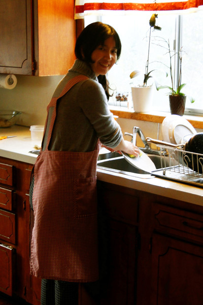 Poor Kumiko, Less than 2 hours in Oregon after a 20 hour Journey & she is already washing dishes!