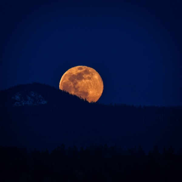 A Super Moon to Welcome Spring.