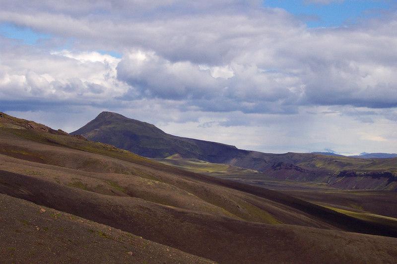 Á leið að Sveinstindi, þetta er Gjátindur