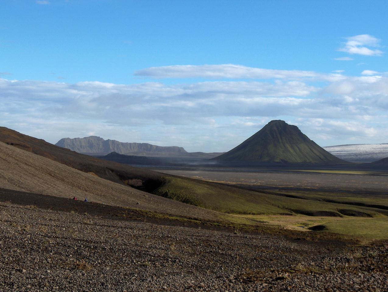 Öldufell og Mælifell frá vesturhlíðum Meyjarstrúts.
