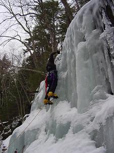 002 - IlyaT hanging the rope.JPG