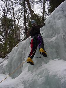 001 - IlyaT hanging the rope.JPG