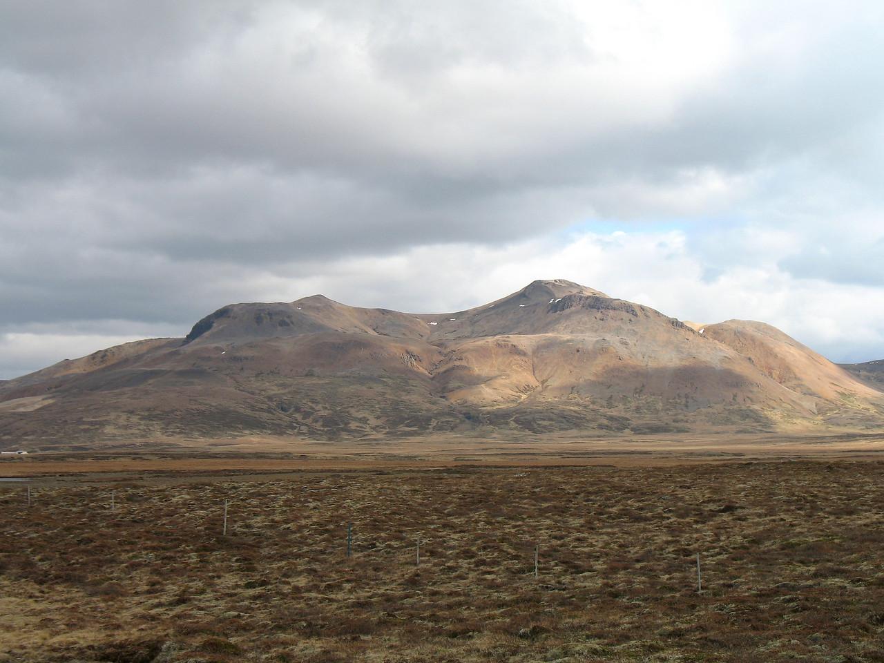 Drápuhlíðarfjall er sem sagt í Bókinni .... bíður síns tíma.