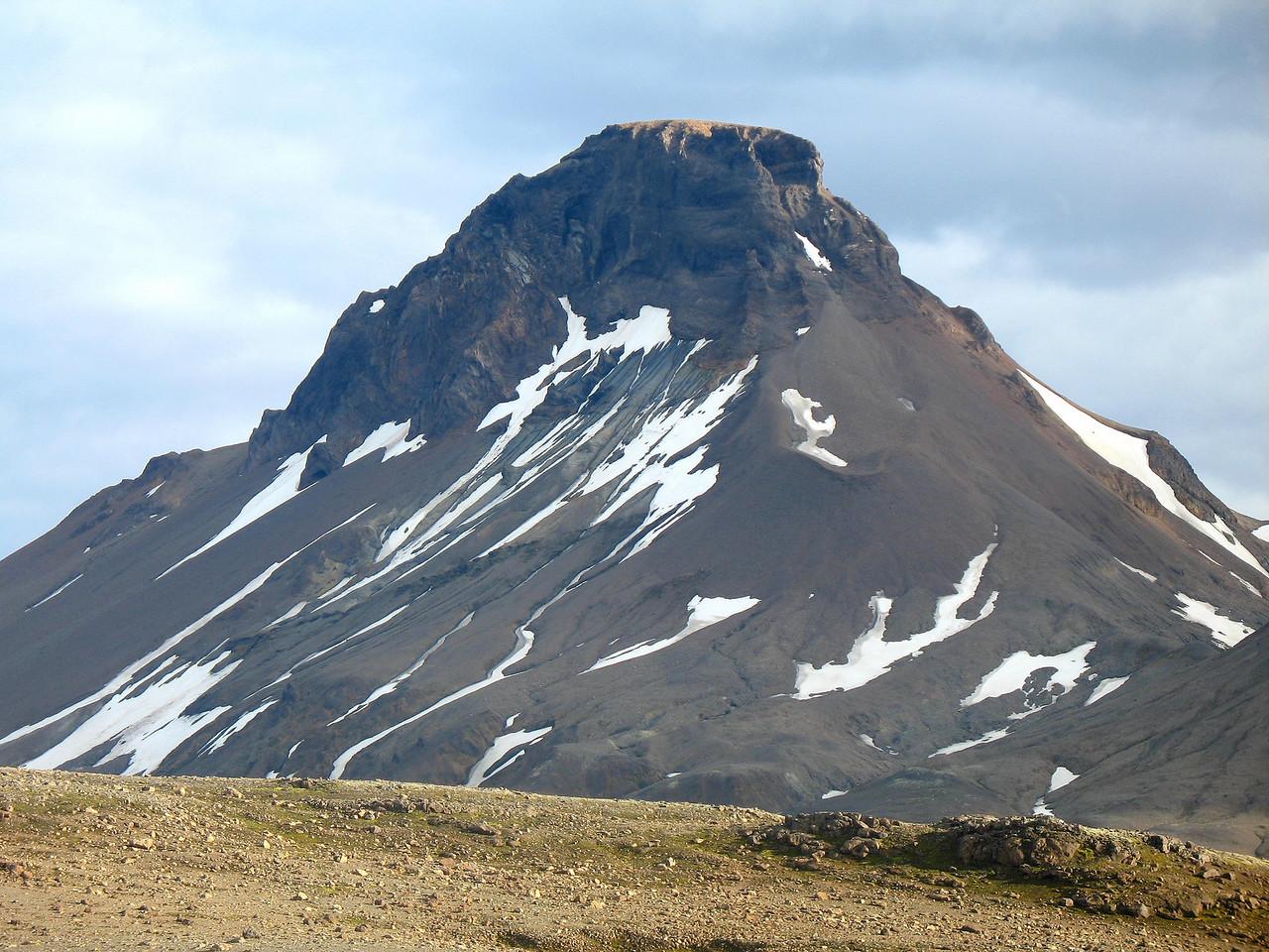 Loðmundur er glæsilegur fra þessu sjónarhorni.