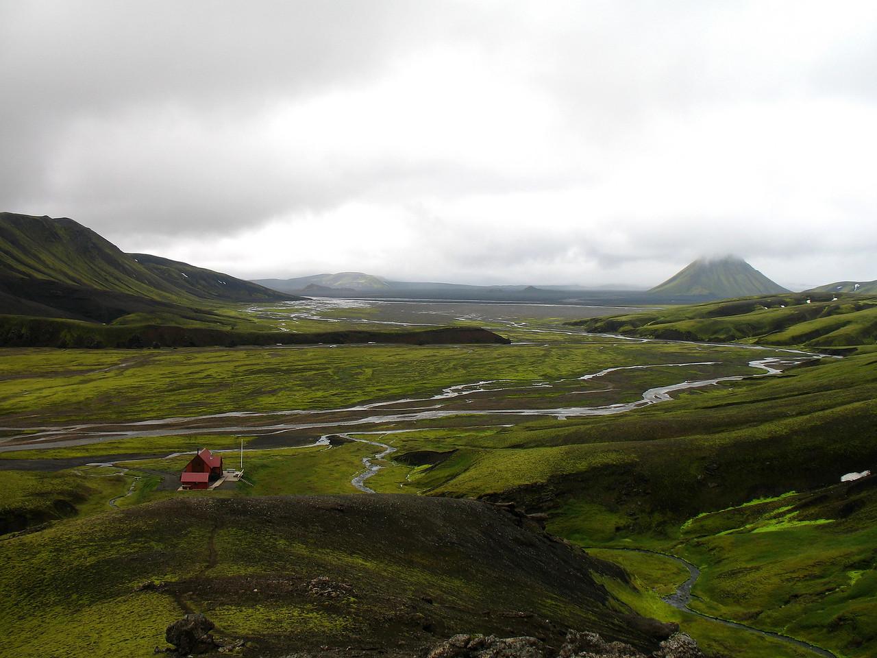Lagt af stað frá Strútsskála, Mælifell í baksýn.