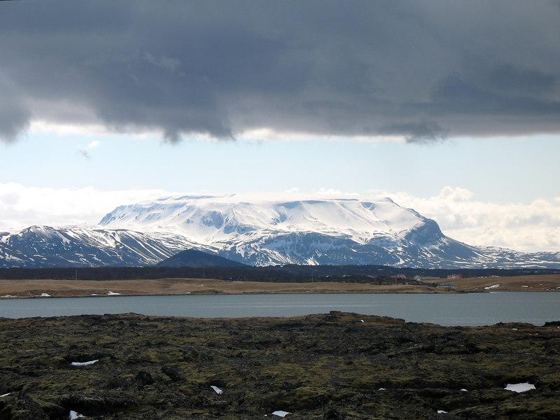 Bláfjall heitir þetta stórglæsilega fjall sem stendur suðaustan við Mývatn, þarna upp þurfum við einhvern tíma að komast.